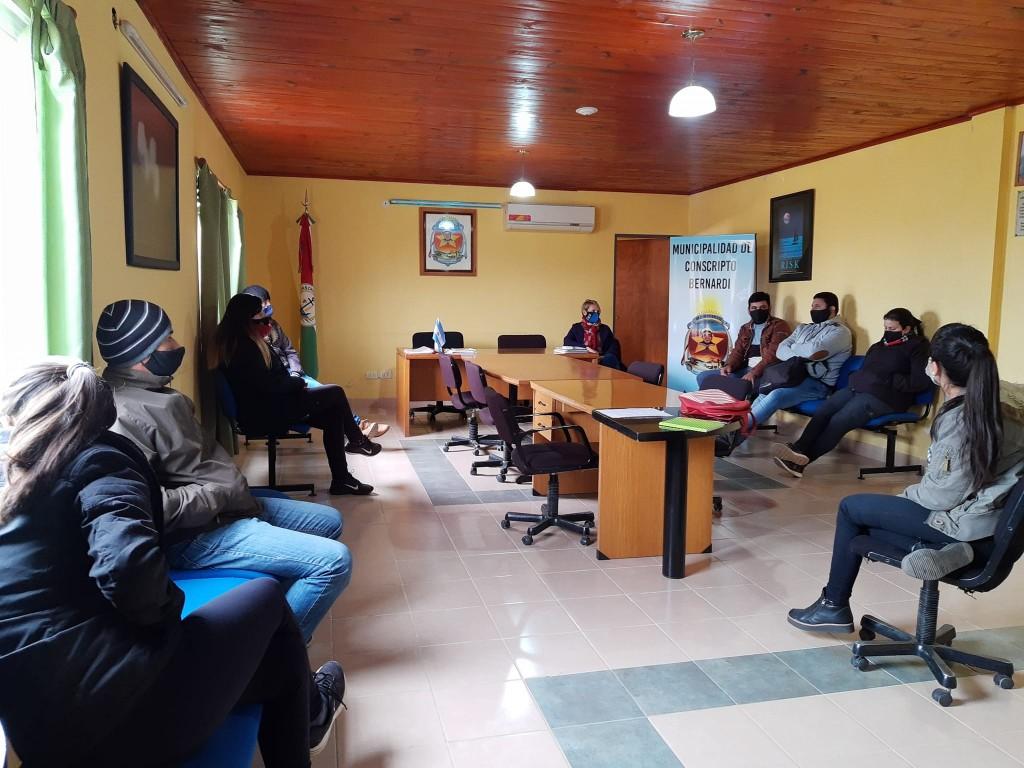 Reunión convocada por Área Joven Municipal de C. Bernardi