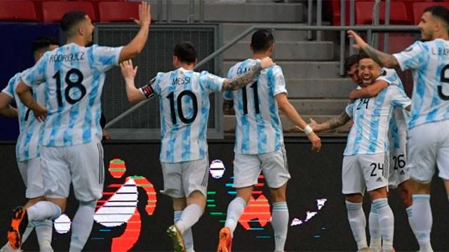 Argentina, sin mostrar su mejor cara, aguantó la diferencia y venció a Paraguay