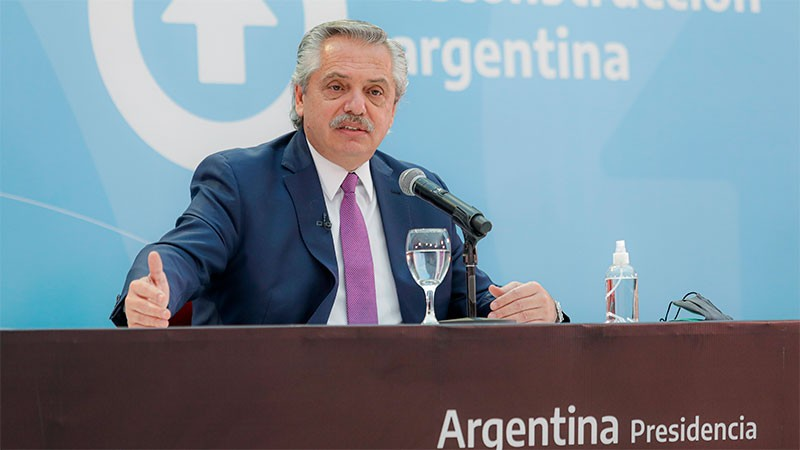 Fernández anunció construcción de viviendas para mayores de 60 años en complejos