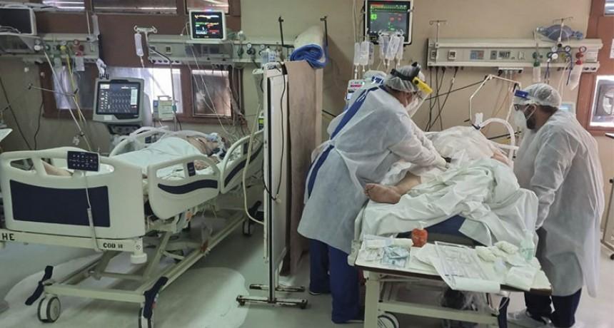 """Piden bajar la circulación para disminuir contagios ante escasez de """"camas UTI"""""""