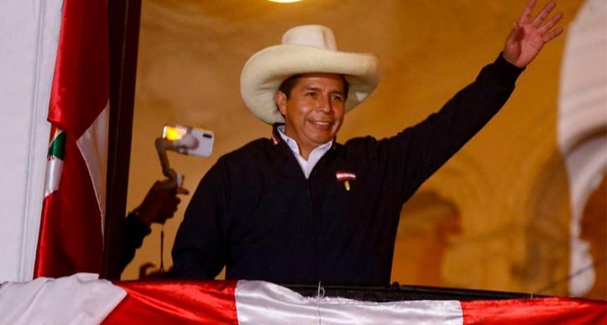 Terminó el escrutinio en Perú y ganó Pedro Castillo