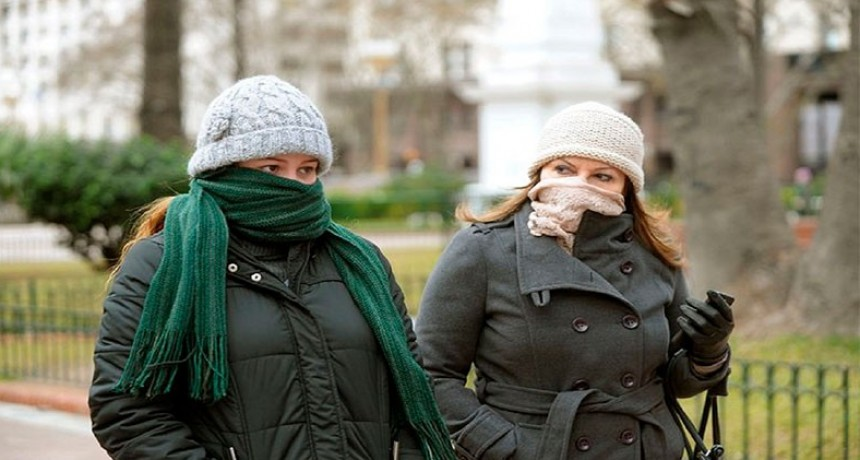 Informaron 648 muertes de coronavirus y 25.878 contagios en el país