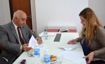 """Firman convenio para implementar """"campamentos científicos"""" en Entre Ríos"""