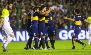Boca derrotó a Sarmiento y lidera campeonato