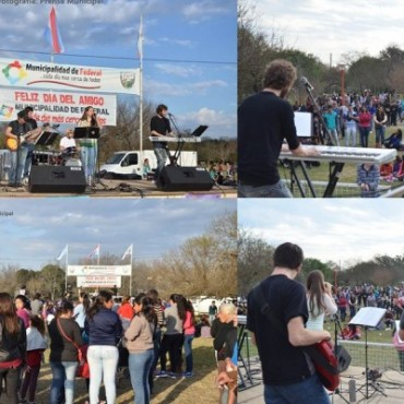 Jóvenes y familias celebraron el Día del Amigo con música y mate