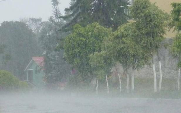 Rige un alerta por lluvias intensas y fuertes vientos que afectará a Entre Ríos