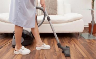 Cómo es la nueva escala salarial para empleo en casas de familia