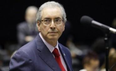 Brasil: Renunció el principal arquitecto del juicio político a Dilma