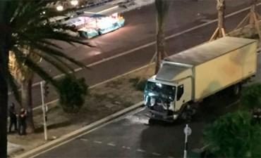 El video del terror en Francia: El caos y la muerte tras el atentado en Niza