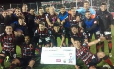 Patronato eliminó por penales de la Copa Argentina a Villa Dálmine