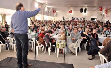 Sanz acompaño a la Illia en un multitudinario almuerzo en Villa Elisa