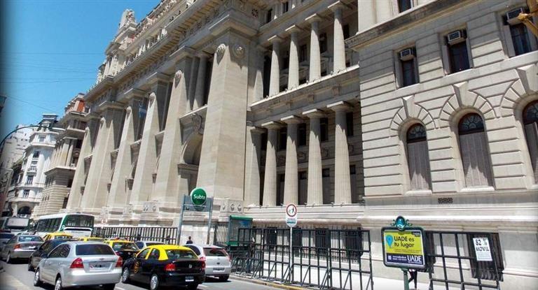 Corte dispuso que un trabajador deberá cubrir los gastos de un juicio laboral perdido