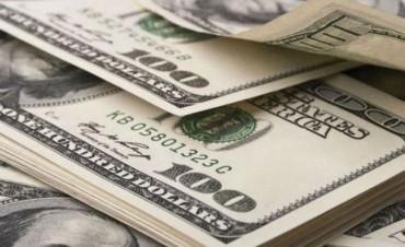 Nueva escalada del dólar: Trepó 15 centavos y quebró la barrera de los $ 17