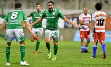 Atlético Paraná perdió como visitante y descendió al Torneo Federal A