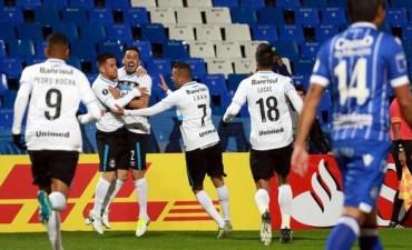 Gremio sorprendió a Godoy Cruz en Mendoza y le ganó por la ida de los Octavos