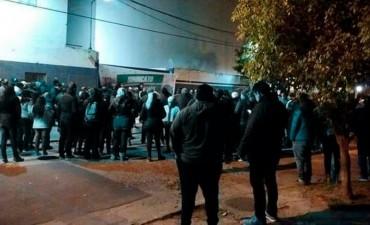 Brutal desalojo de trabajadores de la planta de PepsiCo