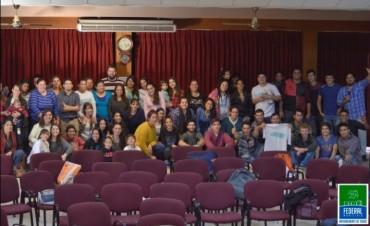Programa Crecer : Jóvenes federalenses se capacitaron en diferentes oficios