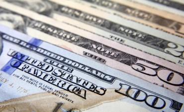 El dólar cerró a $17,45 y marcó un nuevo récord