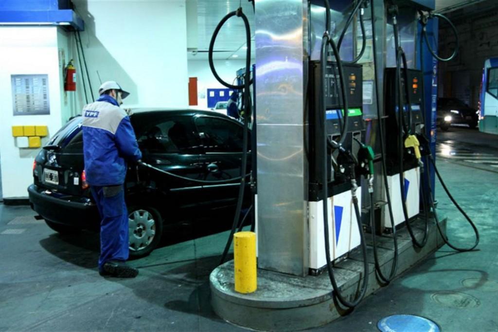 Las naftas y el gasoil subieron 5% hoy a la madrugada