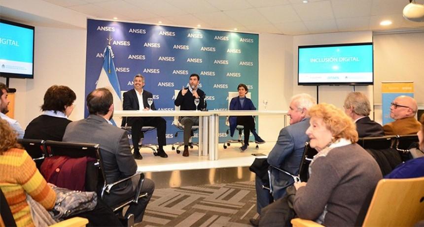 Anses presentó el programa de Inclusión Digital para Adultos Mayores