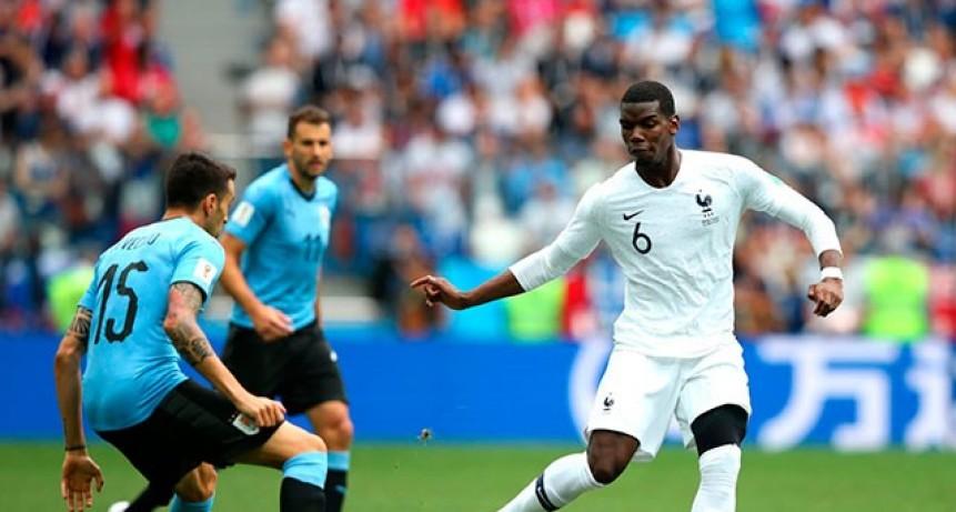 Francia terminó el sueño mundialista de Uruguay y se metió en semifinales