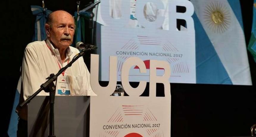 """El titular de la Convención Nacional de la UCR dijo que """"no hay argumentos para sostener Cambiemos"""""""