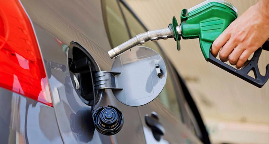El Gobierno proyecta que las naftas aumentarían un 20 por ciento