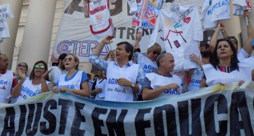 Vuelven las protestas docentes lunes y martes