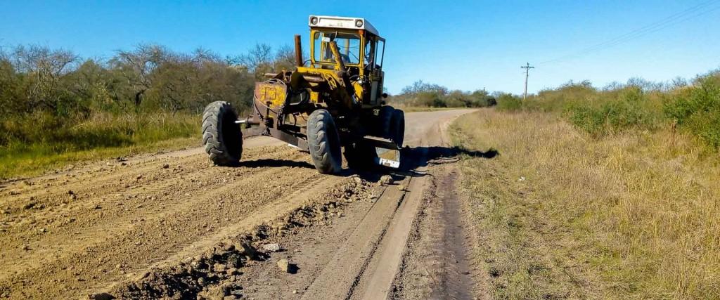 Repasan caminos rurales en el departamento Federal