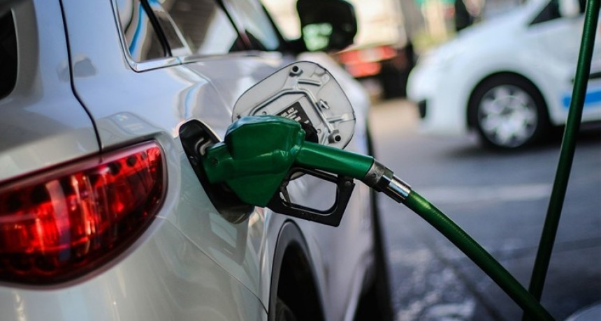 YPF aumentó un 2,5% sus naftas y 1,75 % el gasoil
