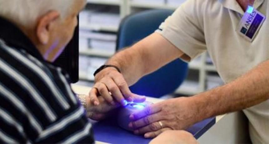 ANSES extiende el plazo para que los apoderados de jubilados registren su huella
