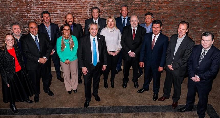 Bordet y otros once gobernadores se reunieron con Alberto Fernández