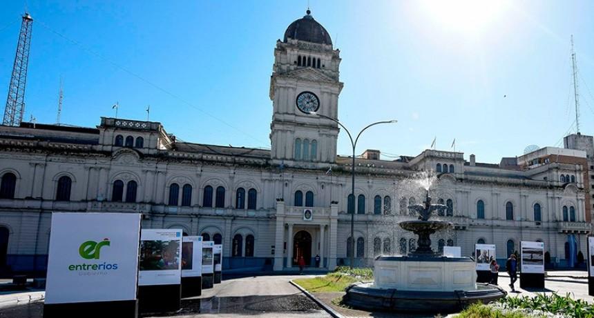 Se inició este sábado pago del aguinaldo a la administración pública provincial
