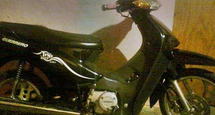 Desconocidos robaron moto en Barrio Unión