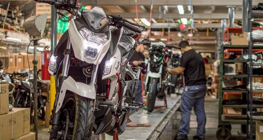 Se pueden comprar desde hoy motos en cuotas sin interés o con descuentos