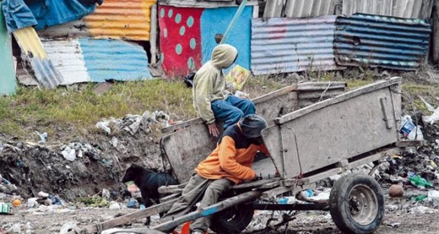 La UCA advirtió que creció la pobreza y estimó que se ubica en 35 por ciento
