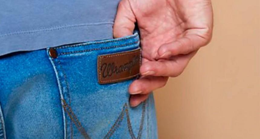 Las marcas Wrangler y Lee se van del país: Cierran su fábrica y sus locales