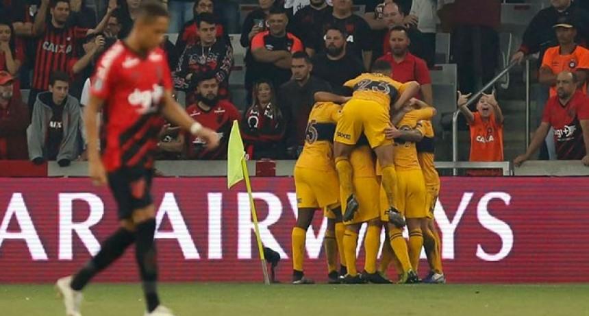 Boca luchó en Brasil y se llevó una gran victoria ante Paranaense por la Libertadores