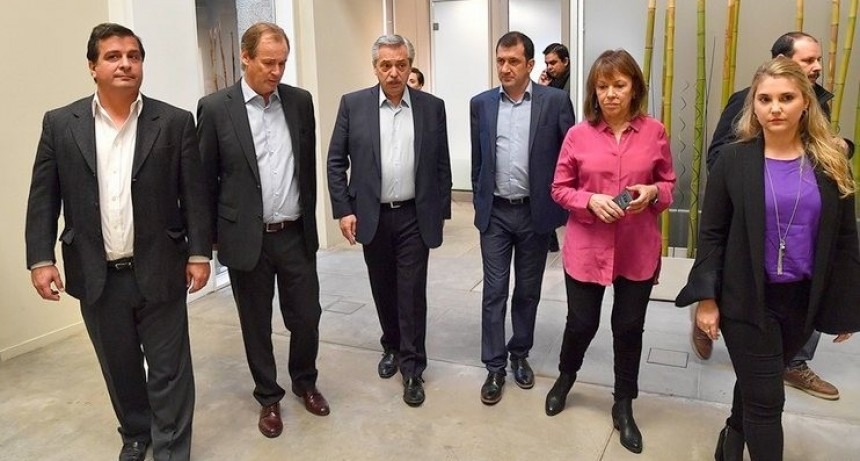 """Fernández en Paraná: """"Quiero una Argentina para los argentinos, no para los especuladores"""""""
