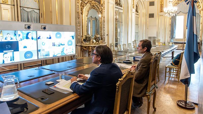 Argentina toma crédito de US$ 300 millones para financiar la Tarjeta Alimentar