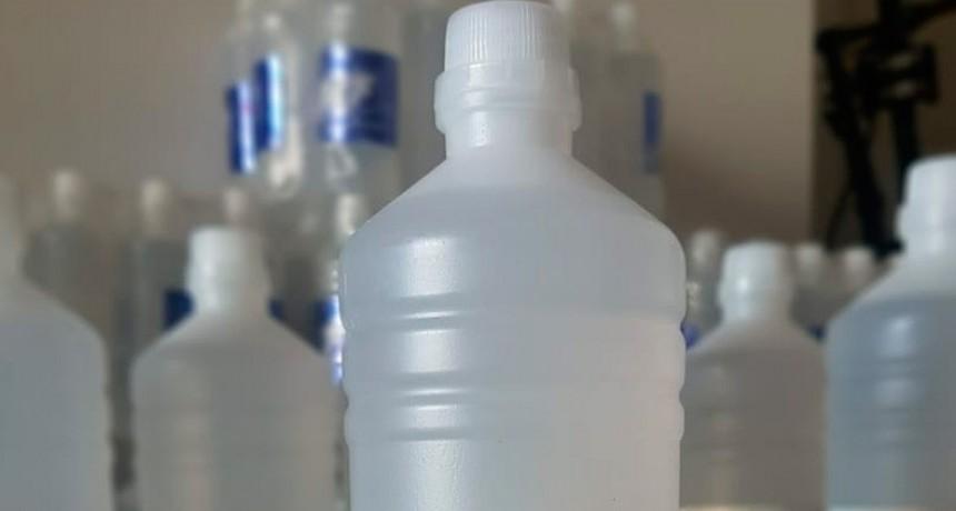 Prohibieron una marca de alcohol y un limpiador líquido desinfectante