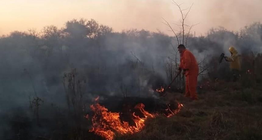 Incendio por ruta nacional 127 en inmediaciones del Triángulo experimental