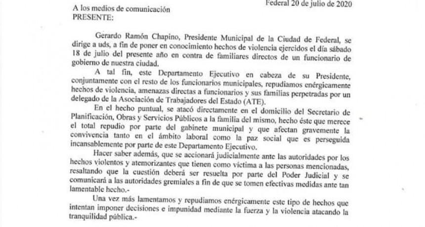 FEDERAL: AGREDEN A ALTO FUNCIONARIO MUNICIPAL Y SU FAMILIA