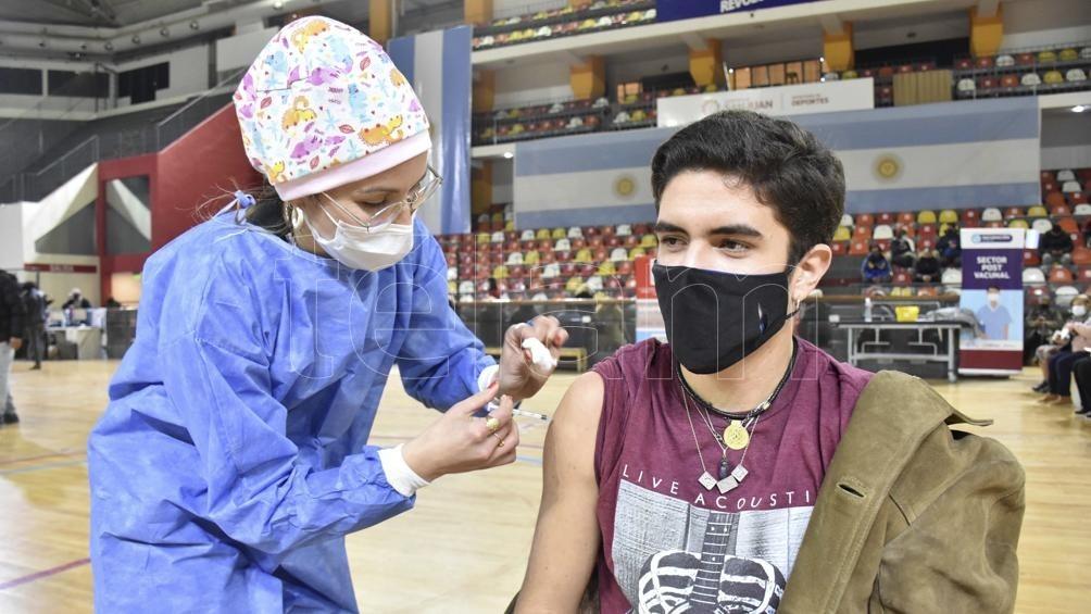 Argentina se encuentra entre los 20 países del mundo que aplicaron más vacunas