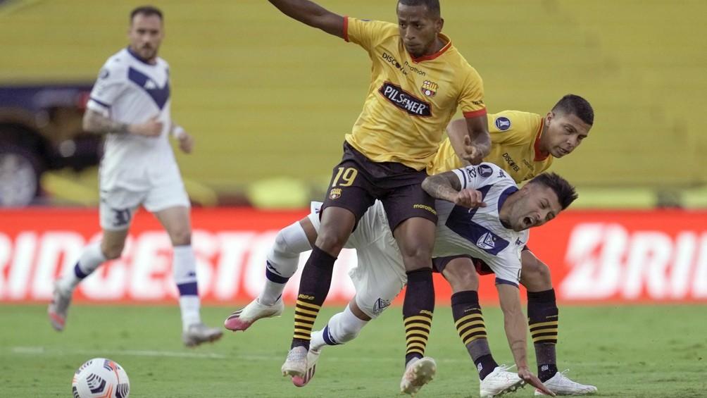 Vélez pagó caro sus errores y quedó afuera de la Copa Libertadores en Ecuador
