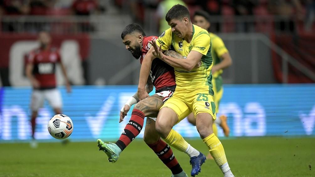 Flamengo goleó a Defensa y lo eliminó de la Copa