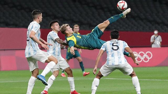 Mal debut del fútbol olímpico argentino: cayó ante Australia en el inicio de los Juegos