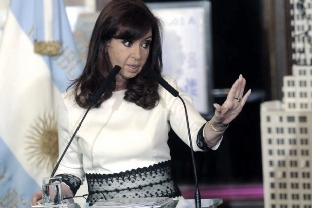 """Cristina, sobre los fondos buitre:""""Nos quieren tumbar porque volvimos a ser un país viable"""""""