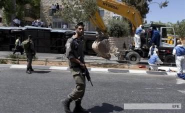 Un civil muerto y un soldado herido en atentados en Jerusalén