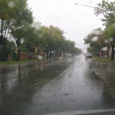 La lluvia sigue siendo la noticia en el inicio de la semana